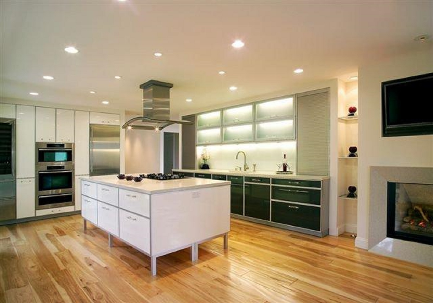 Tiburon European Kitchen Design